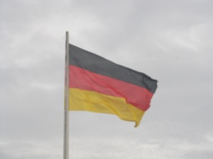 Bandeira da Alemanha no Budestag, em Berlim. Seleção do país abre espaço para imigrantes e se reinventa. Crédito: Rodrigo Borges Delfim