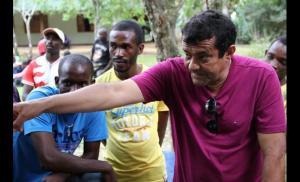 Damião, responsável pela recepção dos imigrantes e que administra o alojamento. Crédito: reprodução