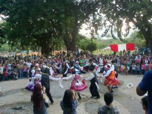 Apresentações de dança é música agitaram o publico na Yunza. Crédito: Divulgação