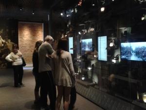 Museu aposta na interatividade para tocar o público e trazê-lo para o debate da imigração. Crédito: Rodrigo Borges Delfim