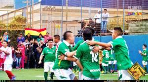 Seleção boliviana superou o Peru e se classificou para a final da Copa Gringos. Crédito: Planeta América Latina