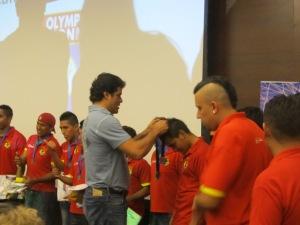 O ex-jogador Raí entregou os prêmios da Copa Gringos aos jogadores. Crédito: Rodrigo Borges Delfim