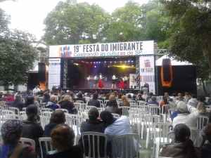 Palco onde aconteciam as apresentações culturais da Festa do Imigrante. Crédito: Rodrigo Borges Delfim