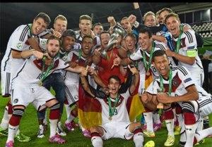 Time sub-19 da Alemanha comemora título europeu e pode antecipar nomes para a futura seleção principal. Reprodução/UEFA