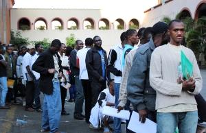 Migrantes haitianos aguardam emissão de documentos no abrigo da Missão Paz, em São Paulo. Crédito: Laura Daudén/Conectas