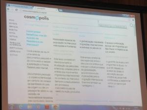Projeção da homepage do portal Cosmópolis, durante o lançamento do site. Crédito: Rodrigo Borges Delfim