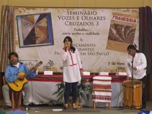 Grupo folclórico andino Killary Kussi iniciou o seminário. Crédito: Rodrigo Borges Delfim