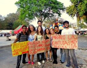 Integrantes do EPM durante atividade na praça Kantuta, em 2012. Crédito: EPM