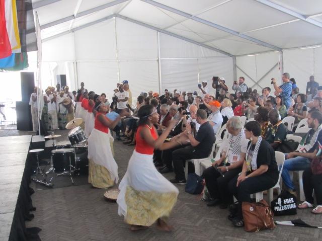 Apresentações culturais abriram o Fórum Social Mundial das Migrações, em Joanesburgo. Crédito: Rodrigo Borges Delfim
