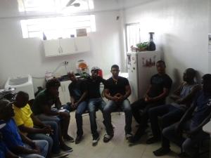 Haitianos de Chapecó se reúnem na casa do presidente da associação. Crédito: Rodrigo Borges Delfim
