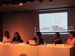 Autoras dos painéis sobre museus e imigração respondem perguntas dos demais participantes. Crédito: Rodrigo Borges Delfim