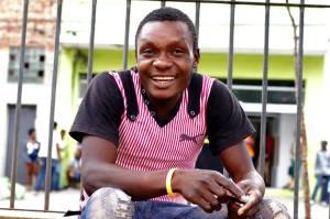 """""""É difícil aprender português?"""", pergunta haitiano entrevistado pelo Rostos da Migração. Crédito: Rostos da Migração"""