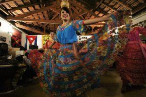 Grupo Acuarela Paraguaya na festa de abertura do Visto Permanente. Crédito: Eva Bella