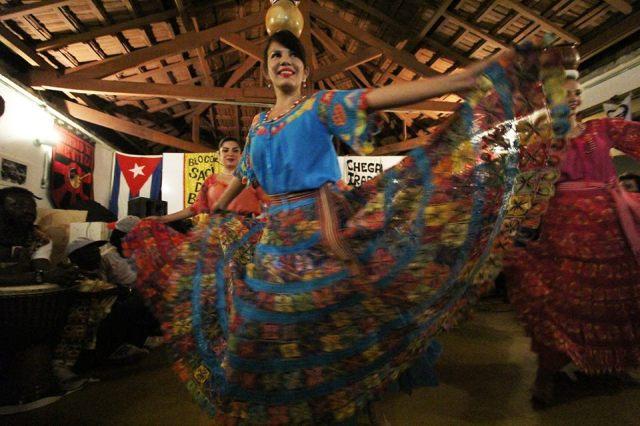 Grupo Acuarela Paraguaya na festa de abertura do Visto Permanente, em março de 2015. Crédito: Eva Bella