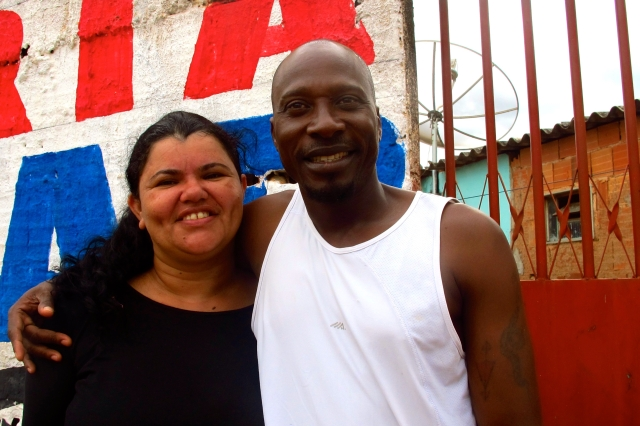 George (muçulmano) e Elisete (evangélica) mostram que diferentes religiões não são empecilho para um casal Crédito: Rodrigo Farhat