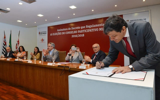 Prefeito de São Paulo assina decreto que regulamenta a eleição para o Conselhos Participativo Municipal. Crédito: Fernando Pereira/SECOM