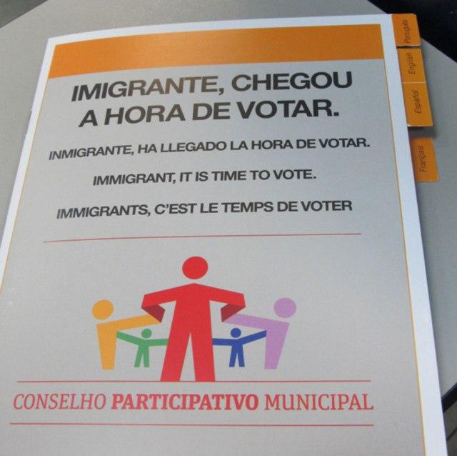 Cartilha feita para instruir imigrantes sobre a eleição para os Conselhos em 2014; novo pleito acontece em dezembro de 2015. Crédito: Rodrigo Borges Delfim/MigraMundo