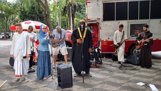 Grupo Soul da Paz, que abriu os trabalhos da Marcha. Crédito: Rodrigo Borges Delfim/MigraMundo