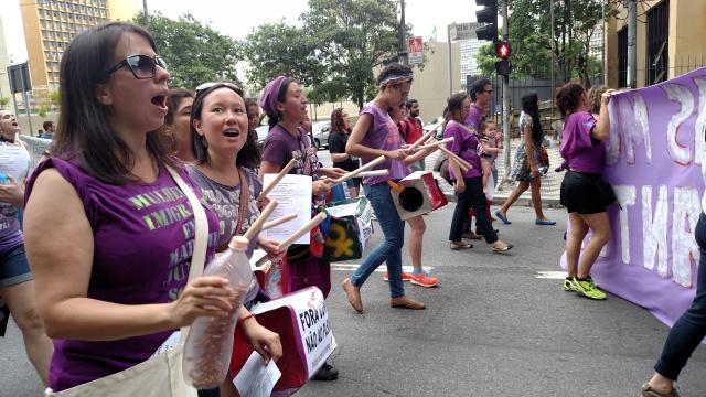 Com cantos e tambores, Bloco das Mulheres foi um dos destaques da Marcha. Crédito: Rodrigo Borges Delfim/MigraMundo