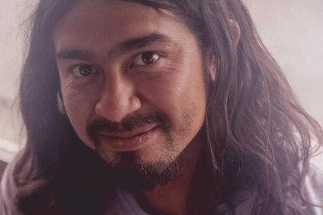 O artesão José Mario, de El Salvador. Crédito: Erica Suelen de Souza/Projeto Guadalupe/MigraMundo