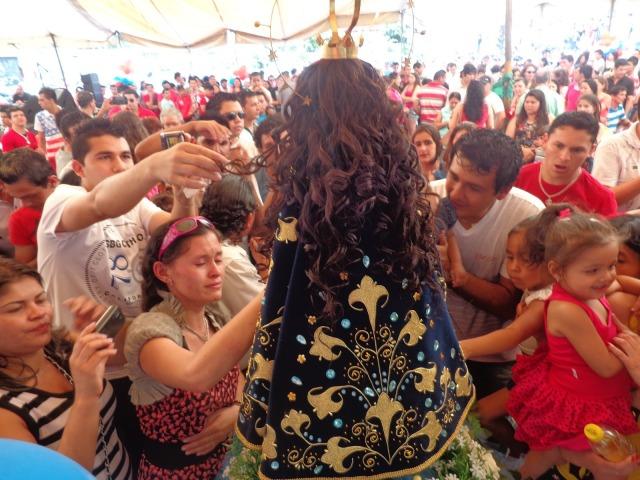 Comunidade paraguaia em São Paulo prestigia festa da Virgem de Caacupé de 2014. Crédito: Léo Ramirez