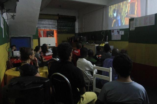 Microcine encerra 2015 com maratona de projeções e debates por São Paulo. Crédito: Viviana Peña/Microcine Migrante