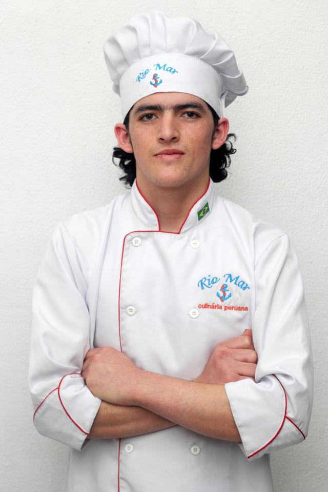 Franco, que completa o trio de irmãos que comandam o restaurante peruano Rio Mar. Crédito: Eva Bella