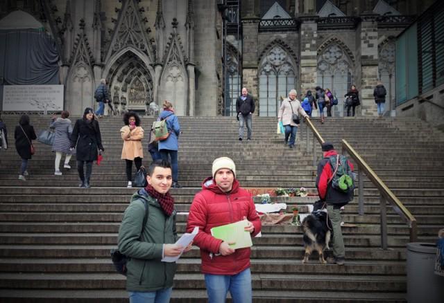 Os irmãos sírios Shady e Jehad distribuíram e escreveram folheto no qual condenavam os ataques às mulheres Crédito: Laura Alzola Kirschgens